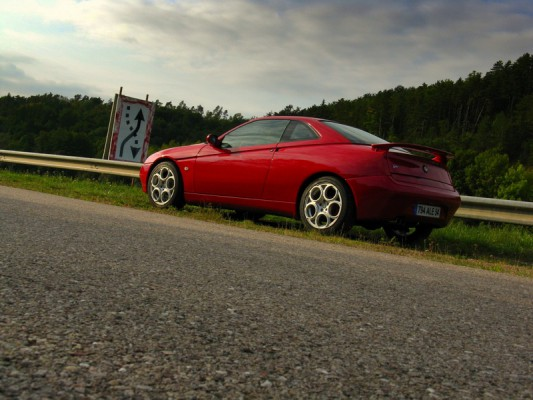 Alfa Romeo GTV 916 - Profil