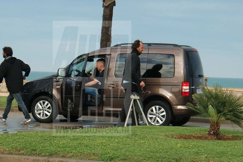 vw caddy 2011 photographi en plein tournage en espagne blog automobile. Black Bedroom Furniture Sets. Home Design Ideas