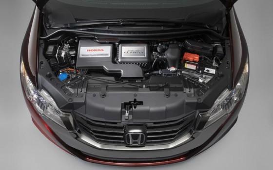 honda FCX clarity engine 560x350 Honda FCX Clarity : La voiture à hydrogène en France le 7 juillet   ( vidéo )