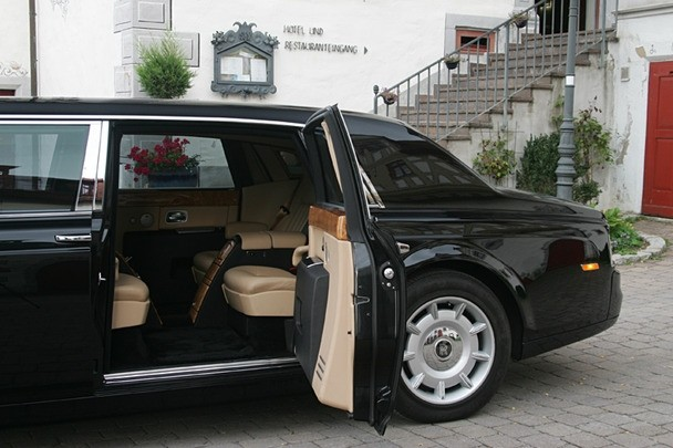 a vendre rare rolls royce phantom limousine blind e peu servie jamais mitraill e blog. Black Bedroom Furniture Sets. Home Design Ideas