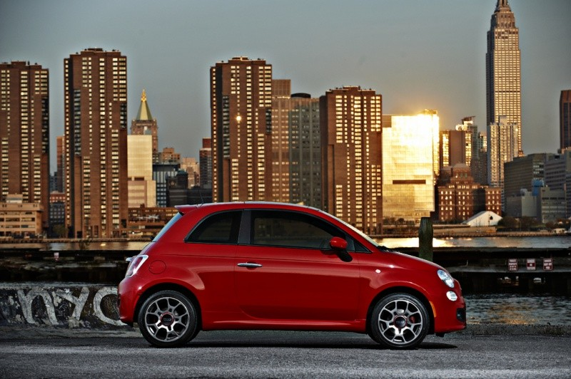 fiat 500 for usa la premi re publicit vid o blog automobile. Black Bedroom Furniture Sets. Home Design Ideas