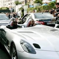 INFphoto 1710216 200x200 Festival de Cannes 2011 : Kanye West préfère se la péter en SLR Stirling Moss plutôt quen Latitude dCi !