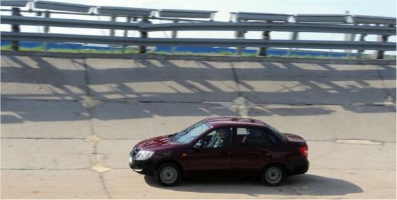 Photo Lagr.1 560x282 Lada Granta : Nouvelle et vendue par Vladimir        (vidéo)