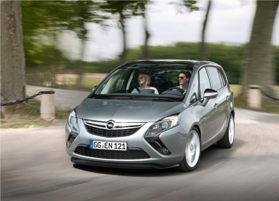 Photo Opel Zafira Tourer 2012 02 554x400 Opel Zafira Tourer 2012 : Tout nouveau et tout beau     (vidéo)