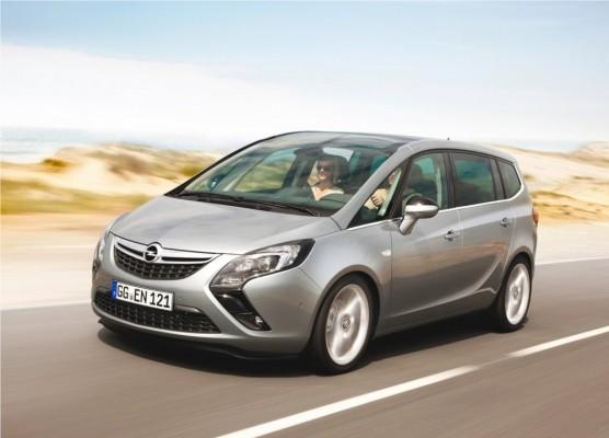 Photo Opel Zafira Tourer 2012 04 556x400 Opel Zafira Tourer 2012 : Tout nouveau et tout beau     (vidéo)