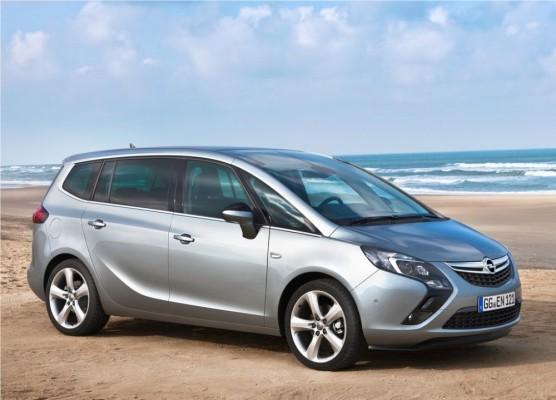 Photo Opel Zafira Tourer 2012 05 556x400 Opel Zafira Tourer 2012 : Tout nouveau et tout beau     (vidéo)