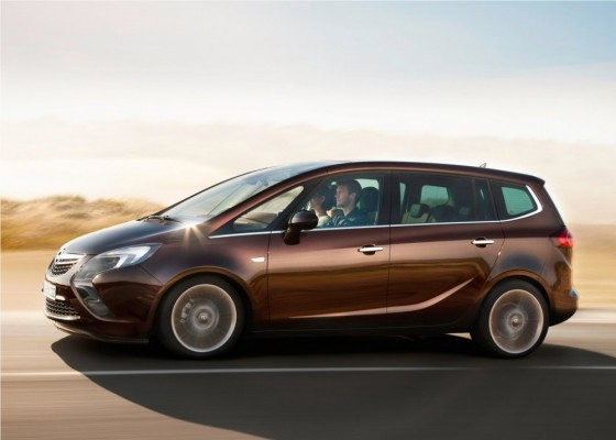 Photo Opel Zafira Tourer 2012 07 560x400 Opel Zafira Tourer 2012 : Tout nouveau et tout beau     (vidéo)