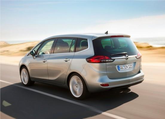 Photo Opel Zafira Tourer 2012 08 552x400 Opel Zafira Tourer 2012 : Tout nouveau et tout beau     (vidéo)