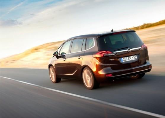 Photo Opel Zafira Tourer 2012 09 557x400 Opel Zafira Tourer 2012 : Tout nouveau et tout beau     (vidéo)