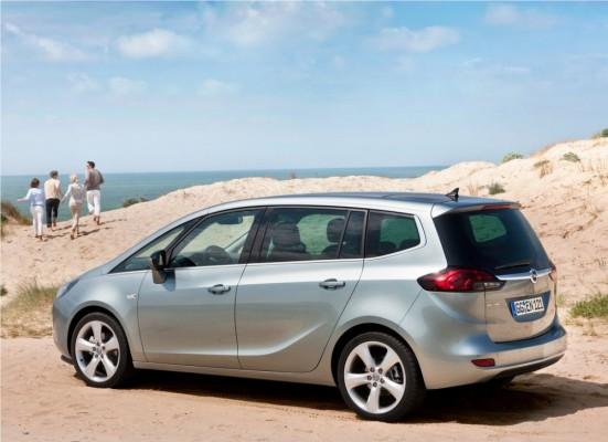 Photo Opel Zafira Tourer 2012 0a 551x400 Opel Zafira Tourer 2012 : Tout nouveau et tout beau     (vidéo)