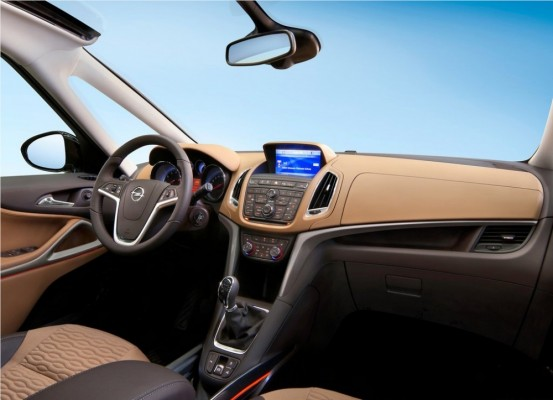 Photo Opel Zafira Tourer 2012 0c 553x400 Opel Zafira Tourer 2012 : Tout nouveau et tout beau     (vidéo)