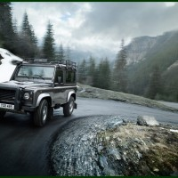 Land_Rover_Defender_MY2012_04-200x200