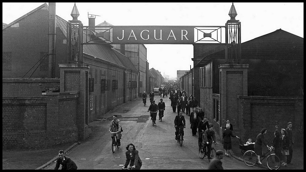 Jaguar_workers-