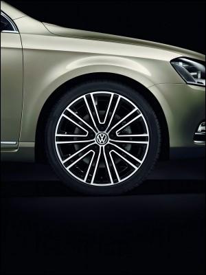VW-Passat-exlusive.71-300x400