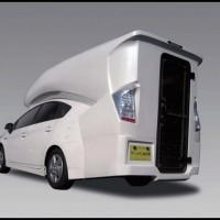 toyota prius camper le premier camping car 4 places hybride au profil particulier car auto. Black Bedroom Furniture Sets. Home Design Ideas