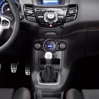 Photo 66997for Fiesta ST 10 200x200 Ford Fiesta ST : La petite sportive rouge de la marque à lovale bleu (vidéo)