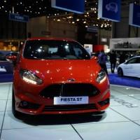 Photo 66997for Fiesta ST 16 200x200 Ford Fiesta ST : La petite sportive rouge de la marque à lovale bleu (vidéo)