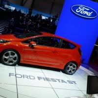 Photo 66997for Fiesta ST 18 200x200 Ford Fiesta ST : La petite sportive rouge de la marque à lovale bleu (vidéo)