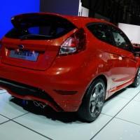 Photo 66997for Fiesta ST 19 200x200 Ford Fiesta ST : La petite sportive rouge de la marque à lovale bleu (vidéo)