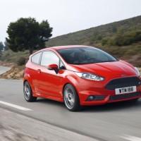 Photo 66997for Fiesta ST 4 200x200 Ford Fiesta ST : La petite sportive rouge de la marque à lovale bleu (vidéo)