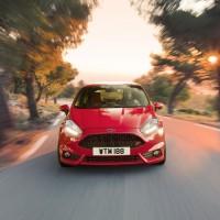 Photo 66997for Fiesta ST 6 200x200 Ford Fiesta ST : La petite sportive rouge de la marque à lovale bleu (vidéo)