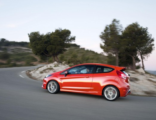 Photo 66997for Fiesta ST 7 522x400 Ford Fiesta ST : La petite sportive rouge de la marque à lovale bleu (vidéo)
