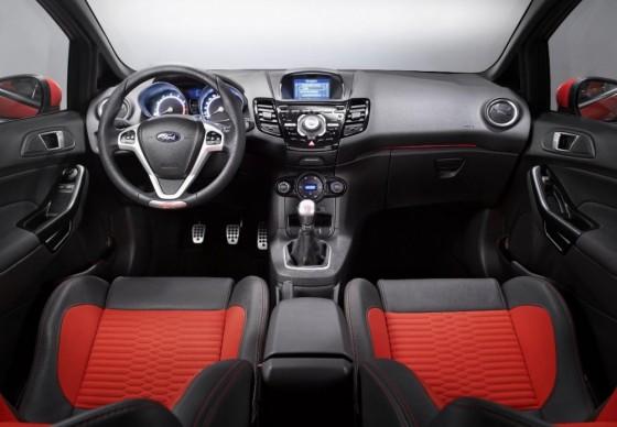 Photo 66997for Fiesta ST 8 560x388 Ford Fiesta ST : La petite sportive rouge de la marque à lovale bleu (vidéo)
