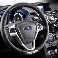 Photo 66997for Fiesta ST 9 200x200 Ford Fiesta ST : La petite sportive rouge de la marque à lovale bleu (vidéo)