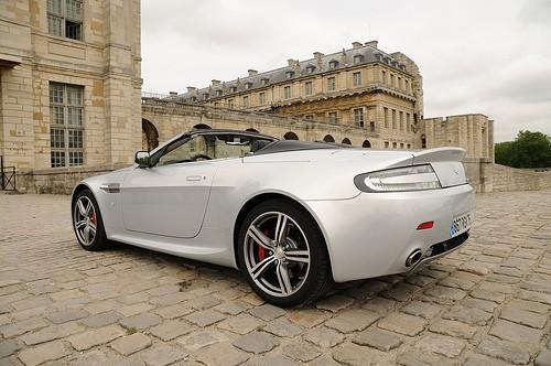 Aston Martin V8 Vantage N400 Roadster décapoté