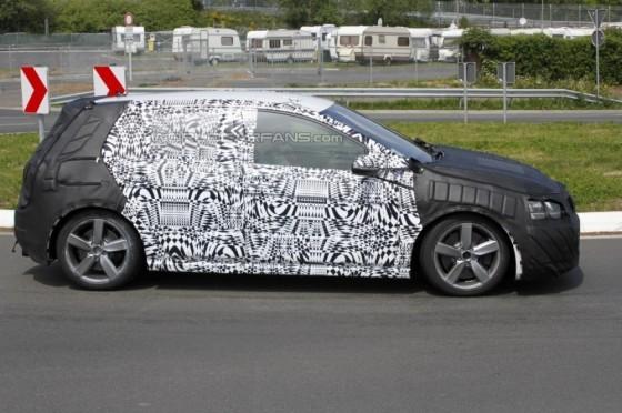 Photo Spyshot VW Golf 7 GTI.3 560x372 Volkswagen Golf 7 GTI : Elle tourne et même assez vite !  (vidéo)