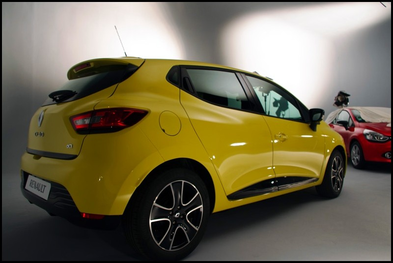 renault clio iv tests et crash test vid os blog automobile. Black Bedroom Furniture Sets. Home Design Ideas