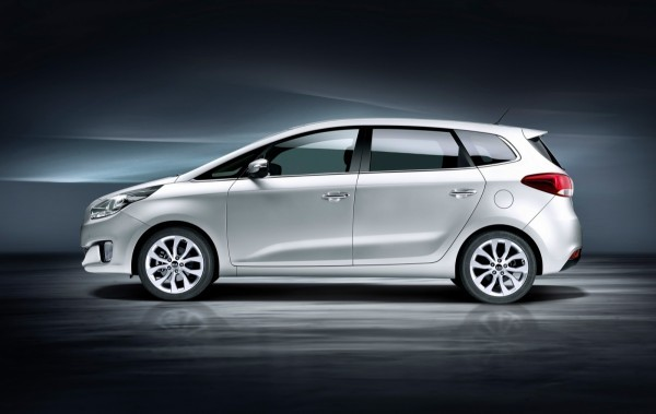 Photo Kia Carens side 600x379 Kia Carens 2013 : La bonne allure
