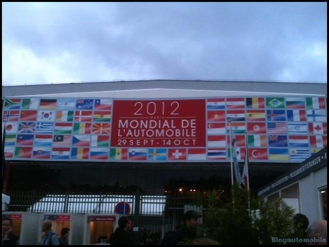 Mondial de l'automobile 2012 - l'entrée générale