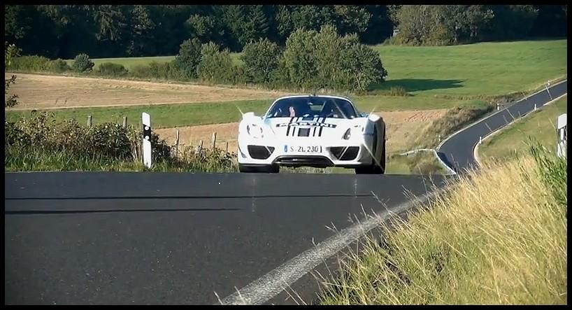 Porsche 918 Spyder Track Pack en livrée Martini Racing