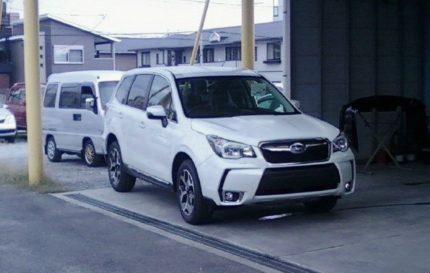 2014-Subaru-Forester-4[17]