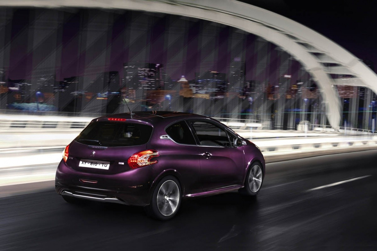 Peugeot208 XY