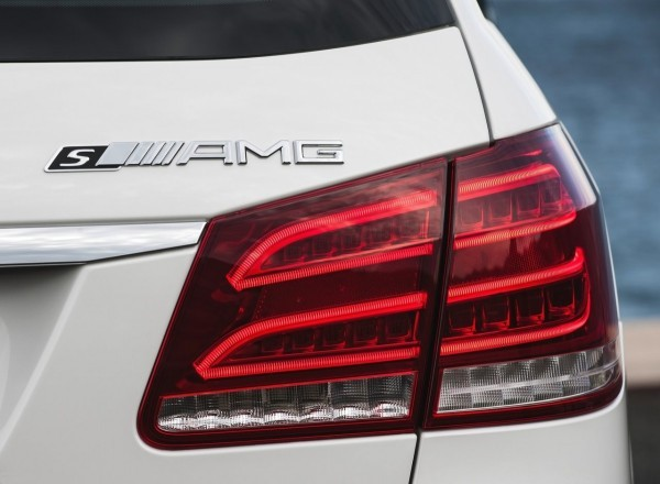 mercedes-benz_e_63_amg int 2013.5
