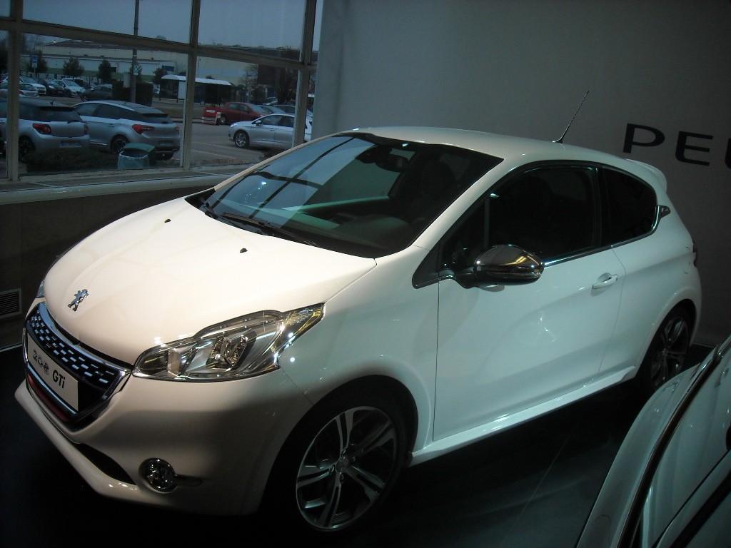 Peugeot 208 300 000 ex Poissy (28)