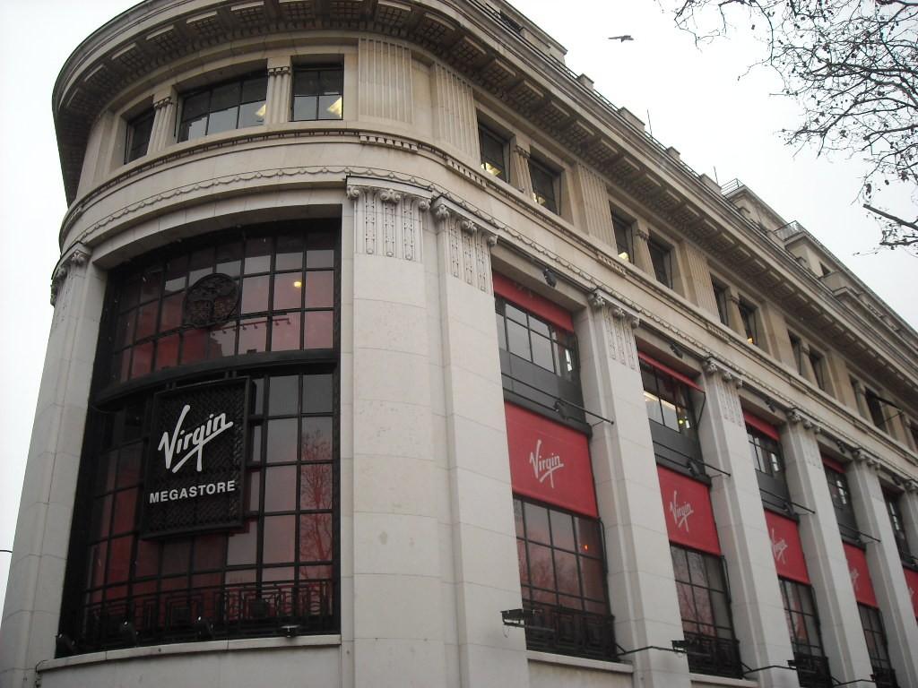 Virgin Megastore Paris