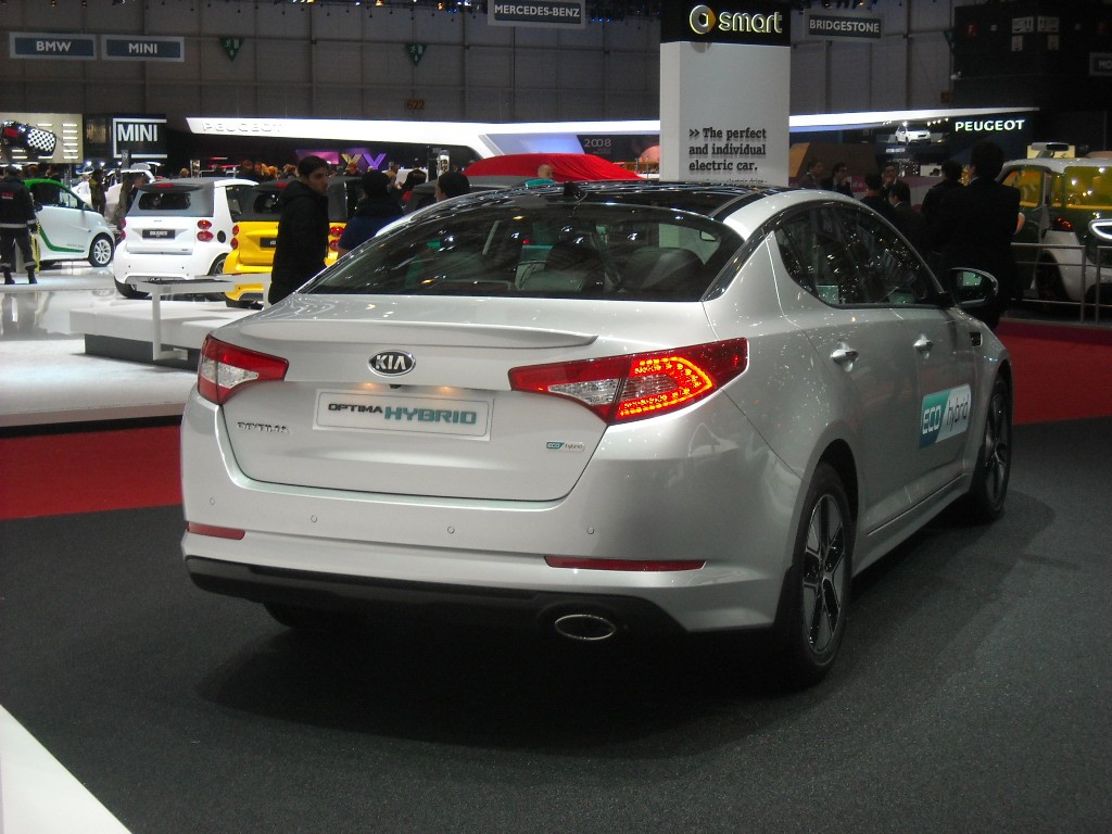 Kia Optima Eco Hybrid (2)