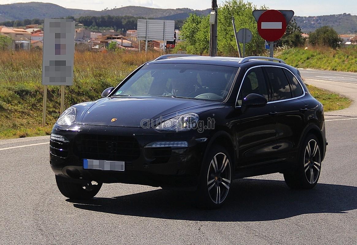 Porsche Cayenne 2014 Spyshots (3)