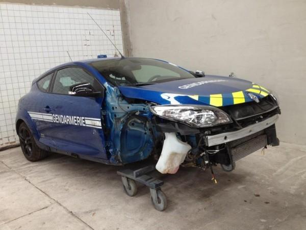 Megane RS BRI Gendarmerie 600x450 Megane RS de la Gendarmerie : Elle suit le chemin tracé par lImpreza...