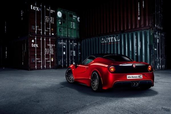 Alfa-Romeo-4C by Pogea Racing.2