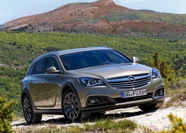 Insignia Country Tourer.1