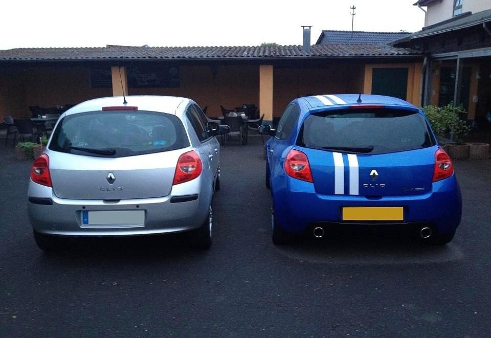La Renault Clio du record de Maxime et Flavien