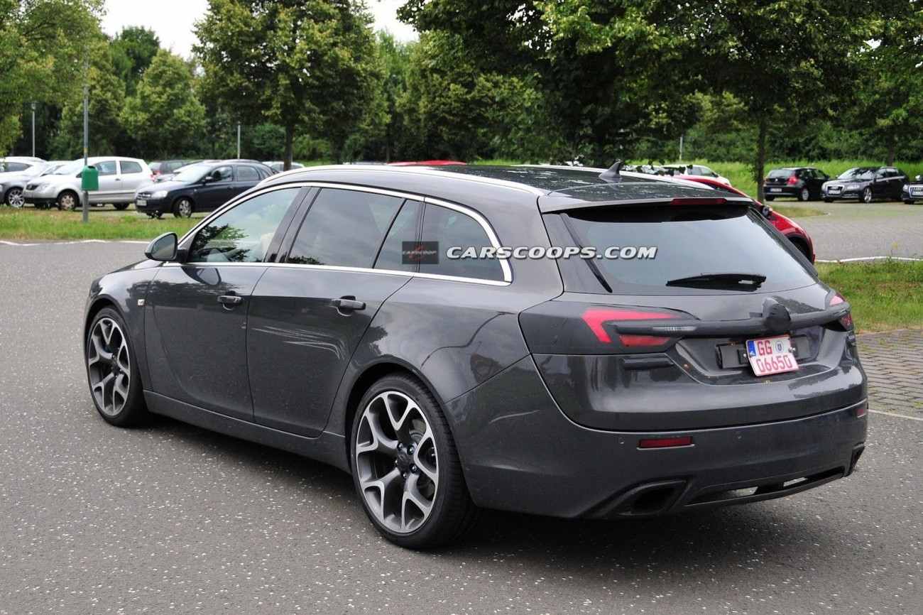 Opel Insignia OPC Sports Tourer (4)