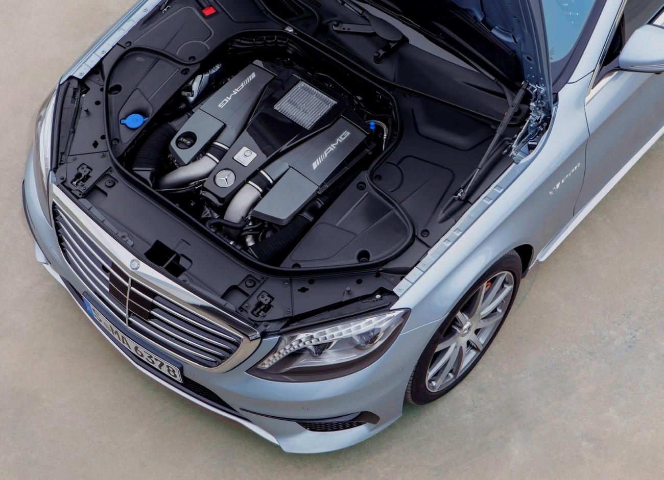 Mercedes-Benz S63 AMG 2014 moteur V8 5