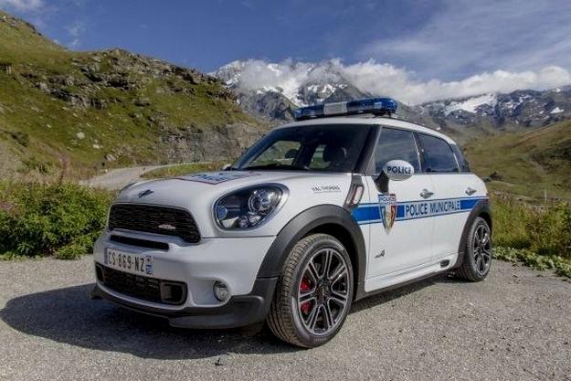 mini countryman jcw all4 une bien belle voiture de police blog automobile. Black Bedroom Furniture Sets. Home Design Ideas