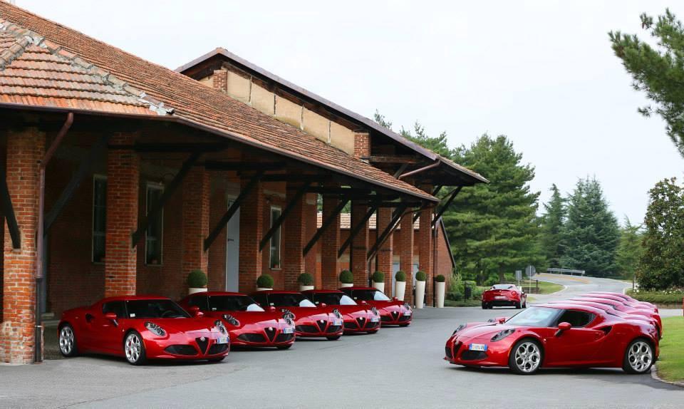 Une meute d'Alfa Romeo 4C