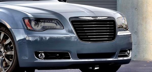 Chrysler-300 2015.